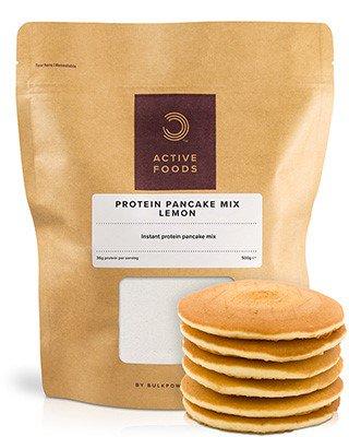 Unser nährstoffreicher und köstlicher Complete Protein Pancake Mix bietet dir leckere und einfach zubereitende Pfannkuchen mit extra hizugefügtem Protein. Sie haben die Wahl zwischen der klassischen Variante und mehreren köstlichen Geschmacksrichtungen – es war noch nie so einfach