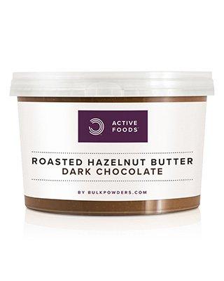 BULK POWDERS™ Geröstete Haselnussbutter mit Zartbitterschokolade wird aus frischen Zutaten von Hand zubereitet und nicht