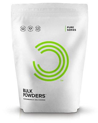 BULK POWDERS™ Chiasamen-Pulver besteht zu 100% aus kalt gemahlenen Chiasamen und bietet alle Vorzüge des Chiasamens in feinster Pulverform. Pro 100g enthält es 36g Protein und trägt somit ideal zum Aufbau und Erhalt von Muskelmasse bei. Des Weiteren ist es mit 37g Ballaststoffen pro 100 g eine ideale Ballaststoffquelle. Zudem enthält es die essentiellen Fettsäuren Omega 3